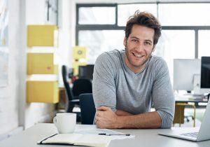 Forskning viser hvorfor du bør kle deg mindre formelt på jobben